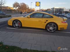 Side of Porsche 911 Turbo 3.6 H6 4 TipTronic S, 480ps, 2007