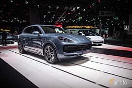 Front/Side  of Porsche Cayenne Turbo 4.0 V8 4 TipTronic S, 550ps, 2018 at IAA 2017