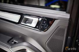 Interior of Porsche Cayenne Turbo 4.0 V8 4 TipTronic S, 550ps, 2018 at IAA 2017