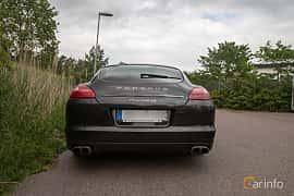 Back of Porsche Panamera 4S 4.8 V8 4 PDK, 400ps, 2012 at Joe's garage 2019´s stora Jaugurevent