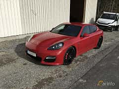 Front/Side  of Porsche Panamera GTS 4.8 V8 4 PDK, 430ps, 2013