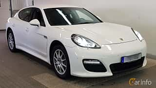 Front/Side  of Porsche Panamera 4 3.6 V6 4 PDK, 300ps, 2012