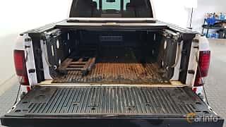 Back of RAM 1500 Crew Cab 5.7 V8 HEMI 4WD TorqueFlite, 396ps, 2014