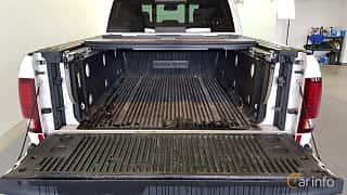 Bak av RAM 1500 Crew Cab 5.7 V8 HEMI 4WD TorqueFlite, 396ps, 2014