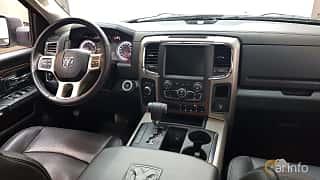 Interior of RAM 1500 Crew Cab 5.7 V8 HEMI 4WD TorqueFlite, 396ps, 2013