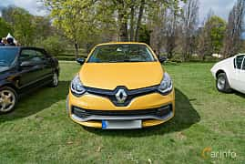 Front  of Renault Clio RS 1.6 TCe EDC, 200ps, 2014 at Fest För Franska Fordon  på Taxinge slott 2019
