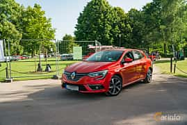 Front/Side  of Renault Mégane 1.2 TCe Manual, 132ps, 2016 at Ronneby Nostalgia Festival 2019