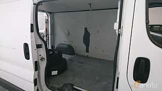 Närbild av Renault Trafic Van 2.0 dCi Manual, 114ps, 2010