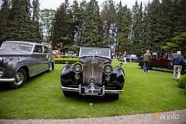 Front  of Rolls-Royce Silver Wraith 4.3 Manual, 137ps, 1951 at Rolls-Royce och Bentley, Norrviken Båstad 2019