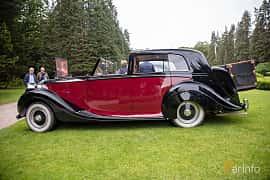 Side  of Rolls-Royce Silver Wraith 4.3 Manual, 137ps, 1951 at Rolls-Royce och Bentley, Norrviken Båstad 2019