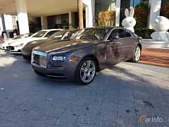 Fram/Sida av Rolls-Royce Wraith Coupé 6.6 V12 Automatic, 632ps, 2014