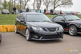 Front/Side  of Saab 9-3 SportCombi 2008 at Lucys motorfest 2019