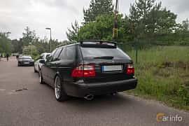 Back/Side of Saab 9-5 Aero SportCombi 2.3 Turbo Automatic, 250ps, 2004 at Joe's garage 2019´s stora Jaugurevent
