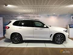 Side  of BMW X5 xDrive30d  Steptronic, 265ps, 2019
