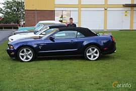 Side  of Ford Mustang GT Convertible 4.6 V8 320ps, 2010 at Bil & MC-träffar i Huskvarna Folkets Park 2019 Amerikanska fordon