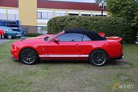 Side  of Ford Shelby GT500 Convertible 5.4 V8 Manual, 557ps, 2011 at Bil & MC-träffar i Huskvarna Folkets Park 2019 Amerikanska fordon