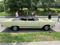 Side  of Ford Fairlane GT Convertible 6.4 V8 Automatic, 324ps, 1967 at Father's Day Classic Car Show New York 2019