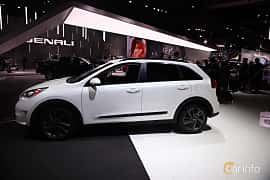 Side  of Kia Niro 1.6 DCT, 146ps, 2017 at North American International Auto Show 2017