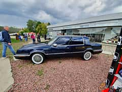 Side  of Chrysler New Yorker 3.3 V6 Automatic, 150ps, 1992 at Old Car Land no.1 2019