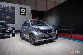 Front/Side  of Smart fortwo electric drive cabrio 17.6 kWh Single Speed, 82ps, 2019 at Geneva Motor Show 2019