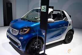 Fram/Sida av Smart fortwo electric drive cabrio 17.6 kWh Single Speed, 82ps, 2019 på LA Motor Show 2018