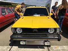Front  of Subaru Leone 4-door Sedan 1977