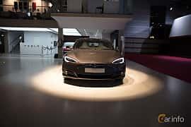 Fram av Tesla Model S 100D 100 kWh AWD Single Speed, 423ps, 2018 på Paris Motor Show 2018