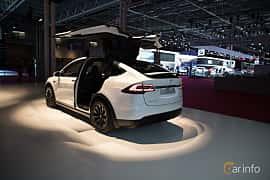 Bak/Sida av Tesla Model X 100D 100 kWh AWD Single Speed, 423ps, 2018 på Paris Motor Show 2018