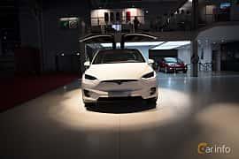 Fram av Tesla Model X 100D 100 kWh AWD Single Speed, 423ps, 2018 på Paris Motor Show 2018