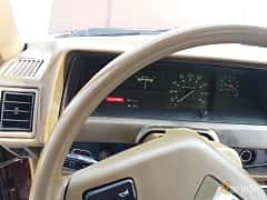 Interior of Toyota Corolla 4-door Sedan 1.3 Manual, 60ps, 1982