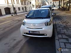 Front/Side  of Toyota iQ 1.33 Dual VVT-i Manual, 98ps, 2009