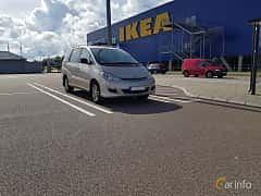 Front/Side  of Toyota Previa 2.4 Automatic, 156ps, 2004