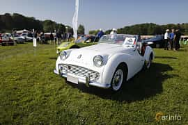 Front/Side  of Triumph TR3 2.0 Manual, 106ps, 1962 at Tjolöholm Classic Motor 2018