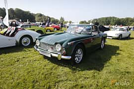 Front/Side  of Triumph TR4 2.2 Manual, 106ps, 1966 at Tjolöholm Classic Motor 2018