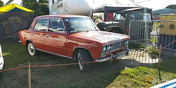 Front/Side  of VAZ 2103 1.5 Manual, 75ps, 1974 at Old Car Land no.1 2019