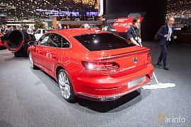 Bak/Sida av Volkswagen Arteon 2.0 TSI 4Motion DSG Sequential, 280ps, 2018 på Geneva Motor Show 2018