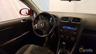 Interiör av Volkswagen Golf Variant 1.6 TDI Manual, 105ps, 2012