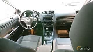 Interiör av Volkswagen Golf Variant 1.6 TDI Manual, 105ps, 2013