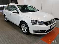 Front/Side  of Volkswagen Passat Variant 2.0 TDI BlueMotion  DSG Sequential, 177ps, 2014