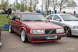 Front/Side  of Volvo 945 2.3 Manual, 165ps, 1998 at Lucys motorfest 2019