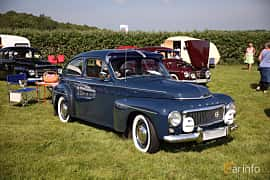 Front/Side  of Volvo PV544A 1.6 B16A Manual, 60ps, 1960 at Tjolöholm Classic Motor 2018