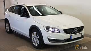 Front/Side  of Volvo V60 Cross Country 2.4 D4 AWD Geartronic, 190ps, 2016