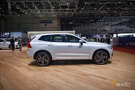 Side  of Volvo XC60 2.0 T8 AWD Geartronic, 408ps, 2017 at Geneva Motor Show 2017