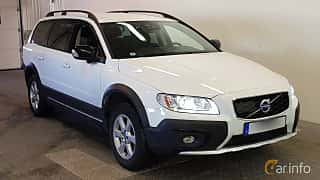 Front/Side  of Volvo XC70 2.4 D4 AWD Geartronic, 181ps, 2015