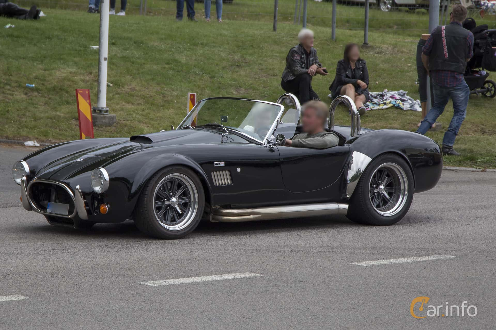 Cars That Start With A C >> 4 Images Of Ac Cars Cobra 6 2 V8 Manual 442hp 2014 By Pelle
