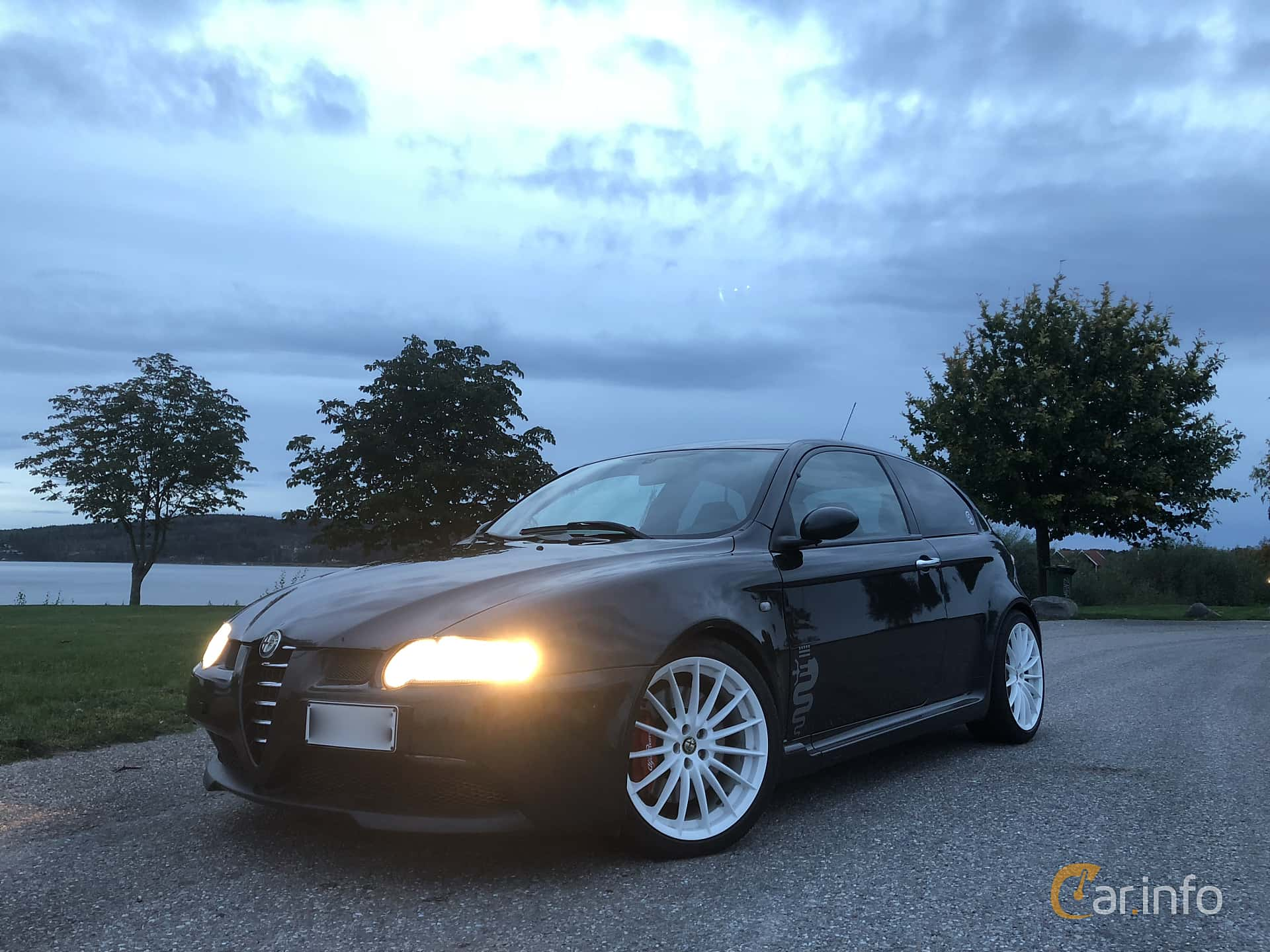 Front/Side  of Alfa Romeo 147 GTA 3.2 V6 Manual, 250ps, 2005