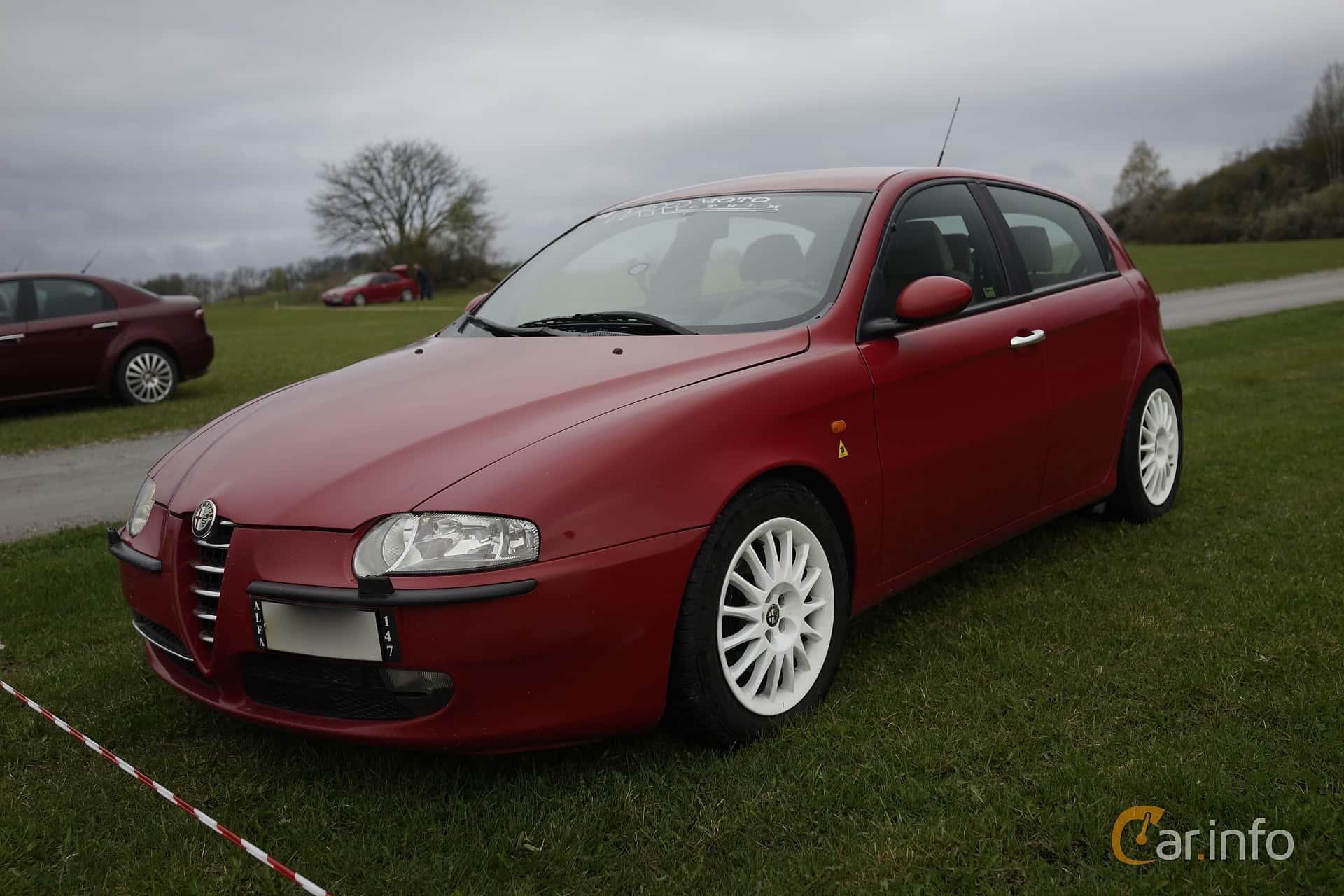 9 Images Of Alfa Romeo 147 5 Door 20 Ts Manual 150hp 2002 By Front Side 150ps