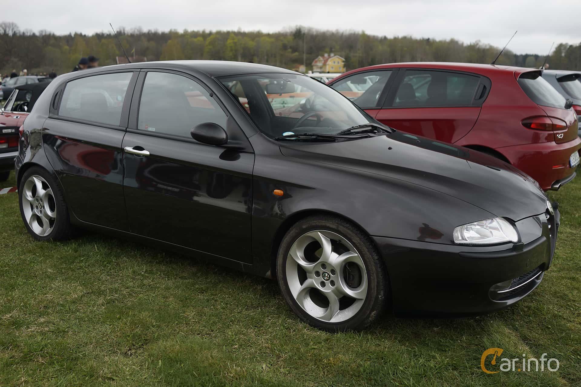 Side of Alfa Romeo 147 5-door 2.0 TS Manual, 150ps, 2004 at