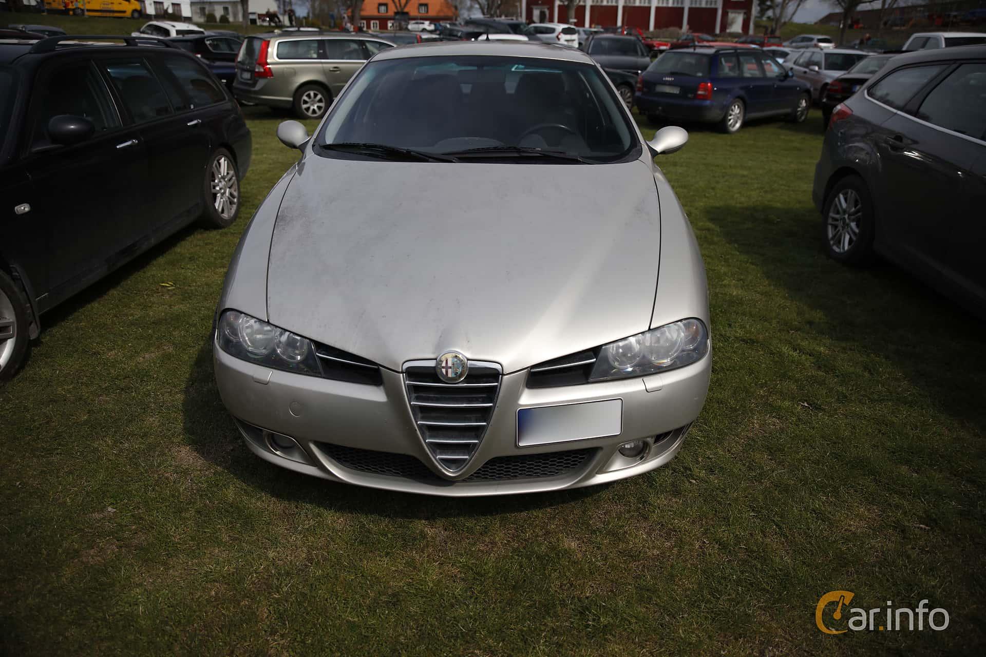Front of Alfa Romeo 156 2.0 JTS Manual, 165ps, 2004 at Italienska  Fordonsträffen Sigtuna