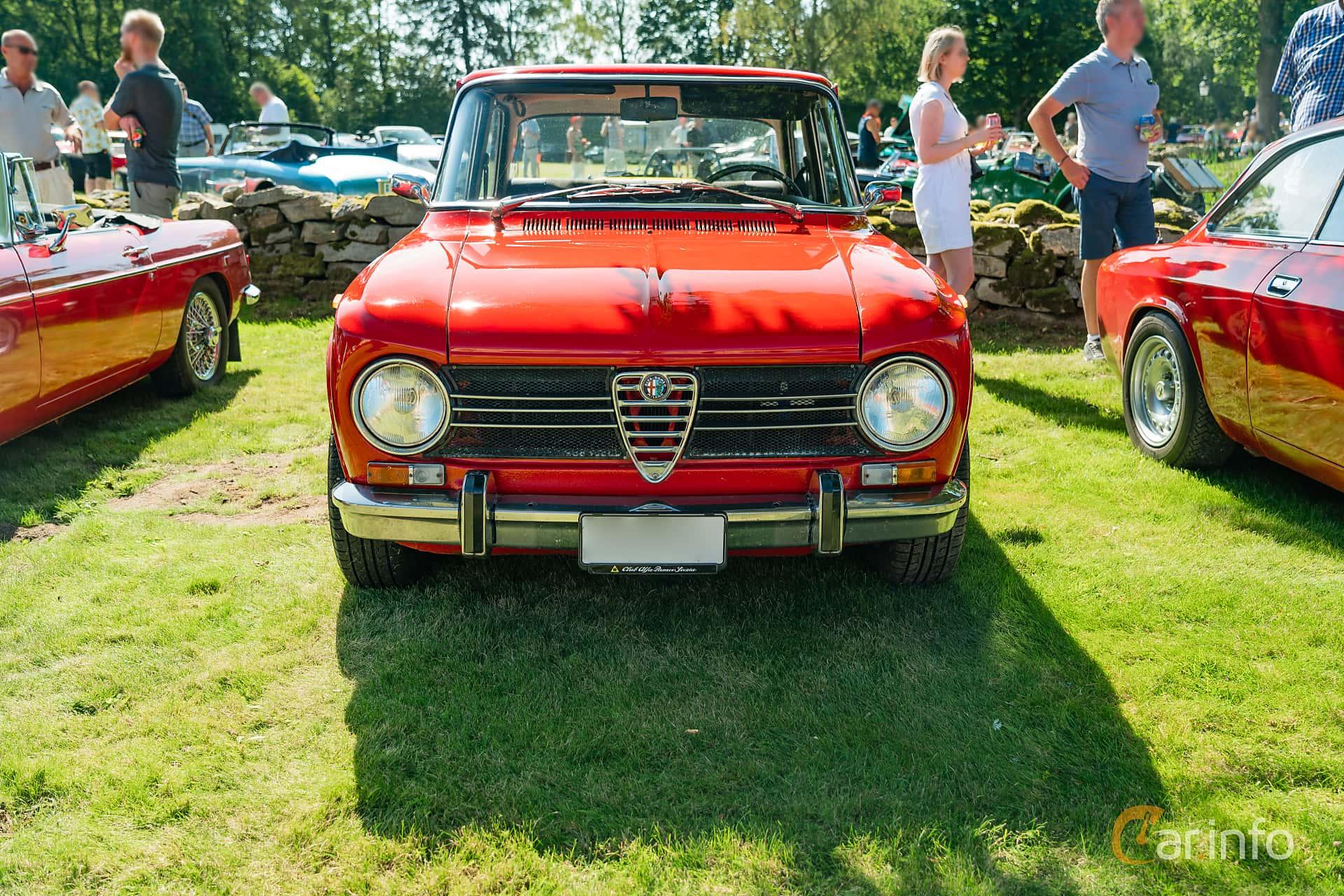 Front  of Alfa Romeo Giulia 1300 Ti 1.3 Manual, 83ps, 1969 at Sportbilsklassiker Stockamöllan 2019